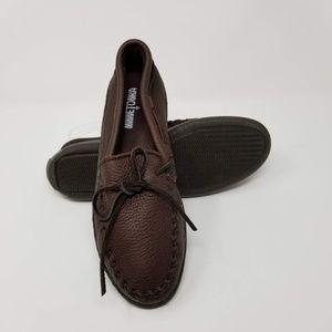 Minnetonka Moosehide Leather Classic Moccasin Wide